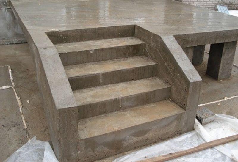 изготовление бетонного крыльца